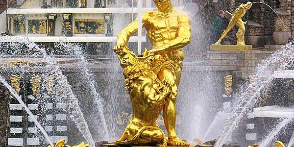 Il Museo Peterhof apre la stagione delle fontane